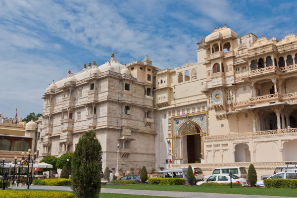Udaipur Tour and Travel Guide